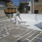 Chống thấm sân thượng giá bao nhiêu tiền 1m2, Báo giá chống thấm mái nhà theo m2 2021 triệt để hiệu quả